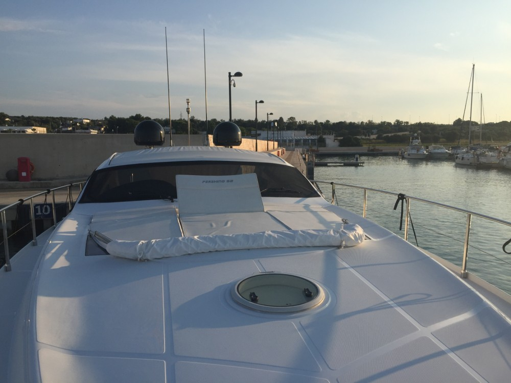 Rental Motorboat in Polignano a Mare - Pershing 52