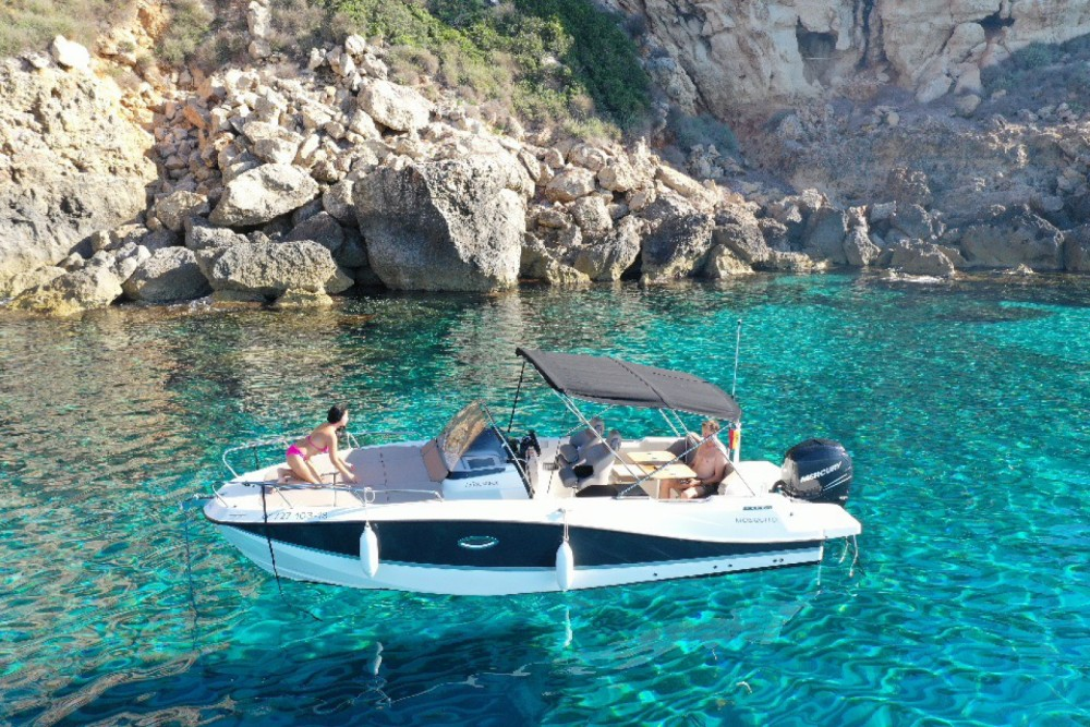 Motorboat for rent Maó at the best price