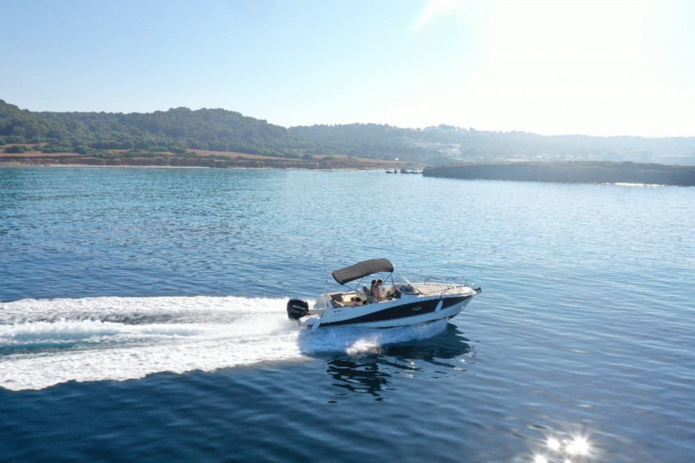 Quicksilver Activ 755 Sundeck between personal and professional Maó