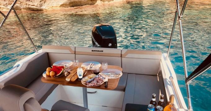 Rental Motorboat in Mahon Port - Quicksilver Activ 755 Sundeck