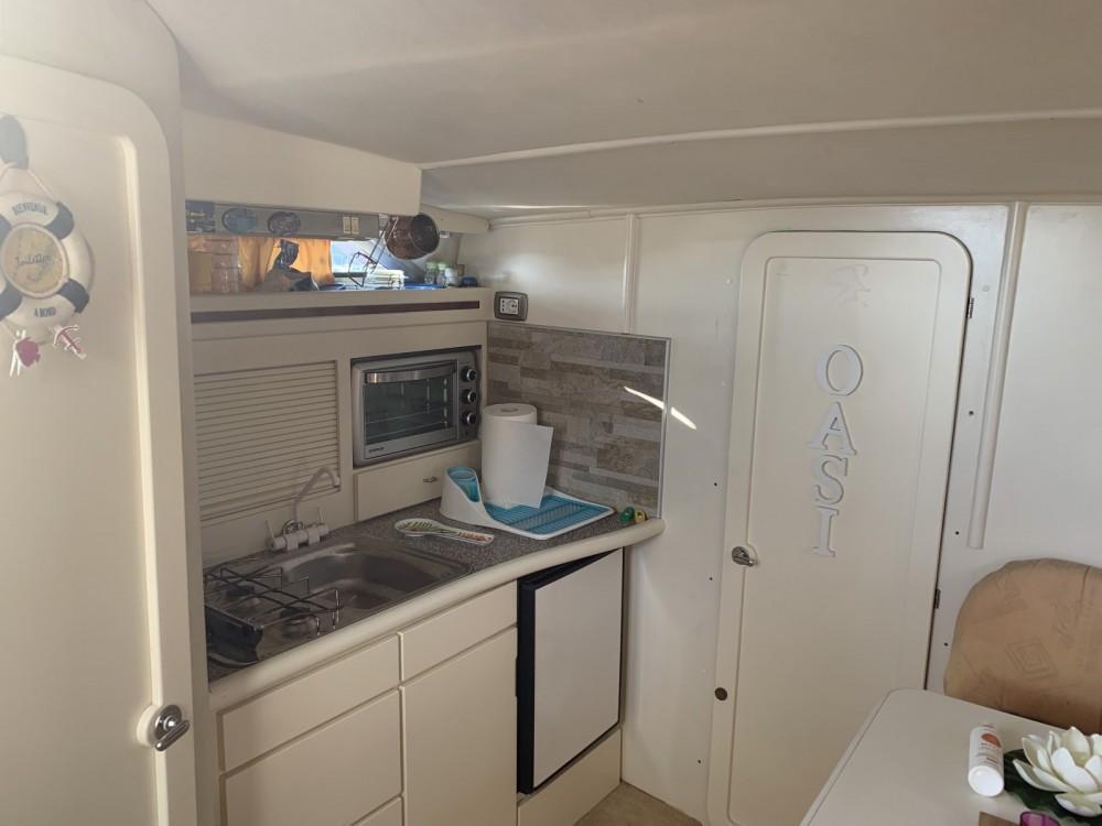 Rental yacht Scario - Cranchi Cruiser 32 on SamBoat