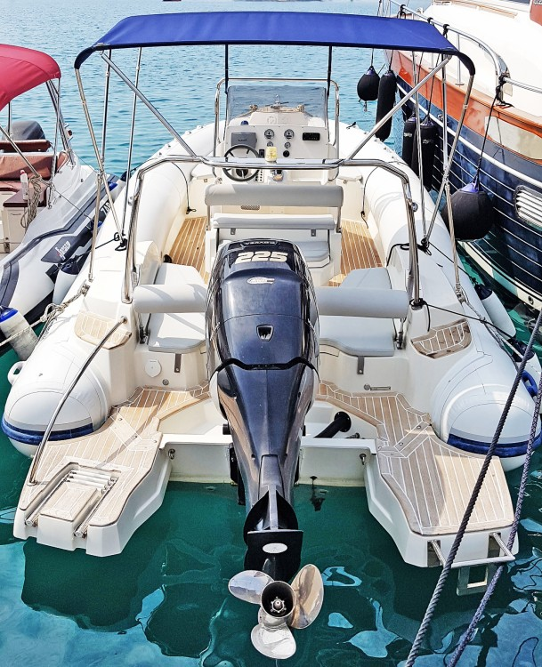 Rent a Marlin Boat 790 Pro Dynamic Makarska
