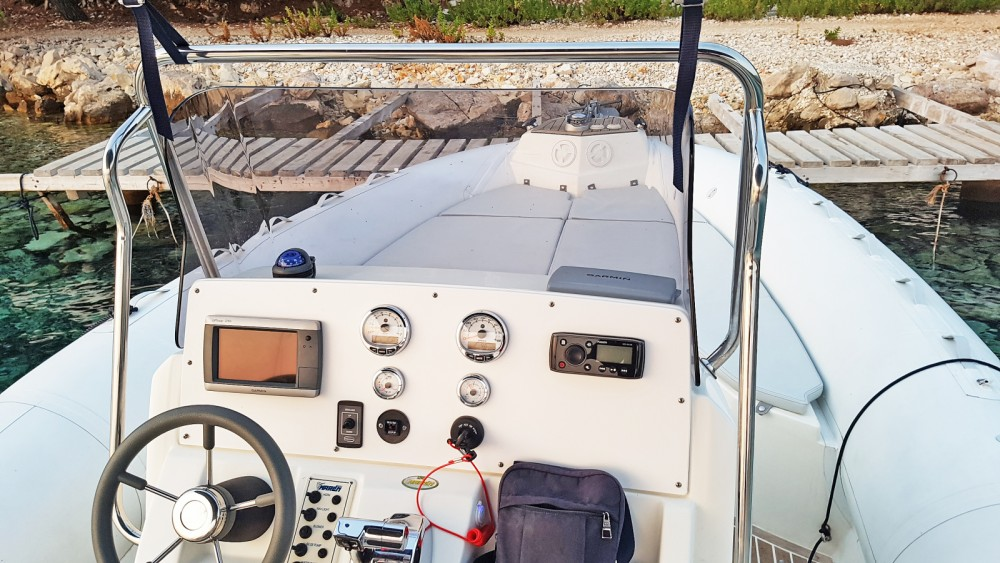 Hire Motorboat with or without skipper Marlin Boat Makarska