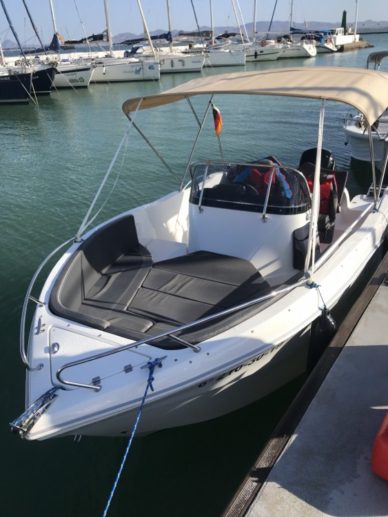 Rental Motorboat Oki Boats with a permit