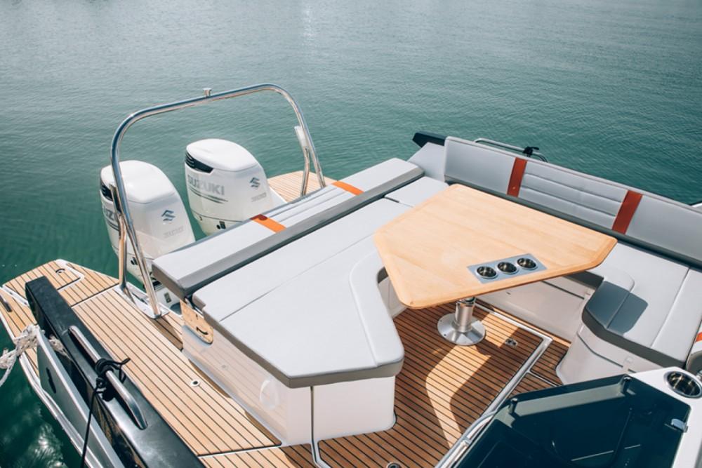Rental Motorboat in Cambrils - Bénéteau Flyer 10