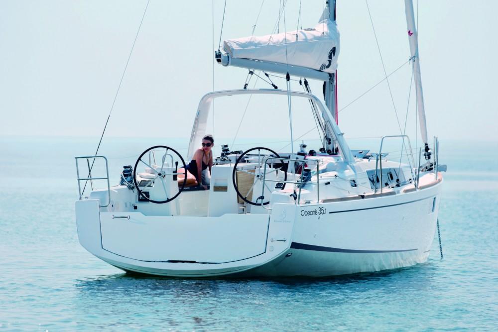 Rental yacht Barcelona - Bénéteau Oceanis 35.1 on SamBoat