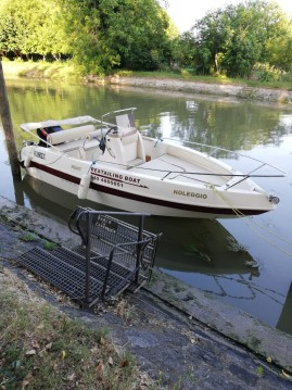 Rental Motorboat Yacht&Co  with a permit