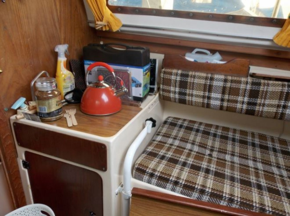 Sailboat for rent Walton-on-the-Naze at the best price
