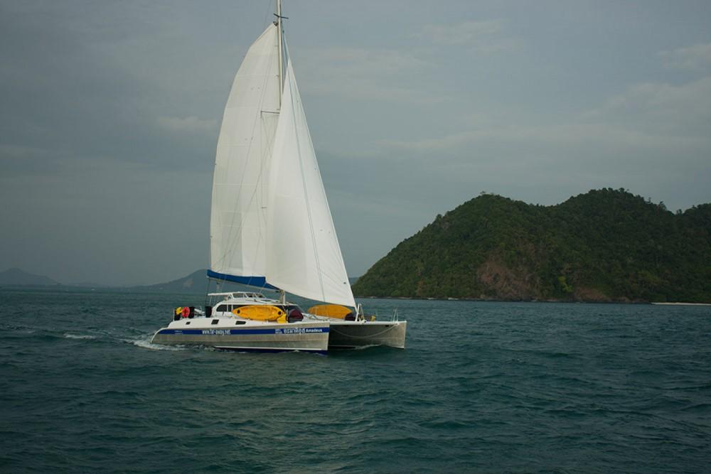 Rental Catamaran Amadeus with a permit