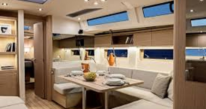 Hire Sailboat with or without skipper Bénéteau Cannes