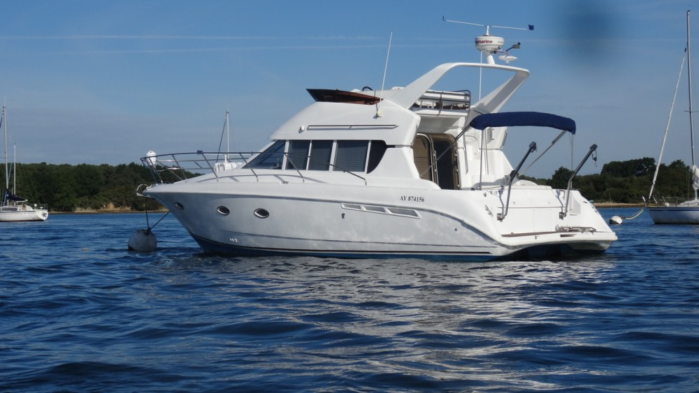 Rental Motorboat Silverton with a permit
