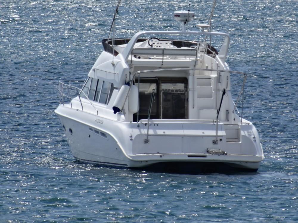 Boat rental Silverton 362 Sedan in Saint-Gilles-Croix-de-Vie on Samboat