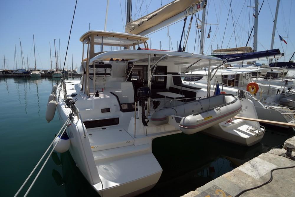 Boat rental Lagoon Lagoon 42 in Kalafationes on Samboat