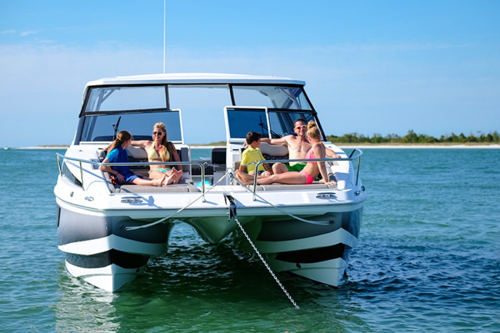 Hire Motorboat with or without skipper AQUILA Phuket