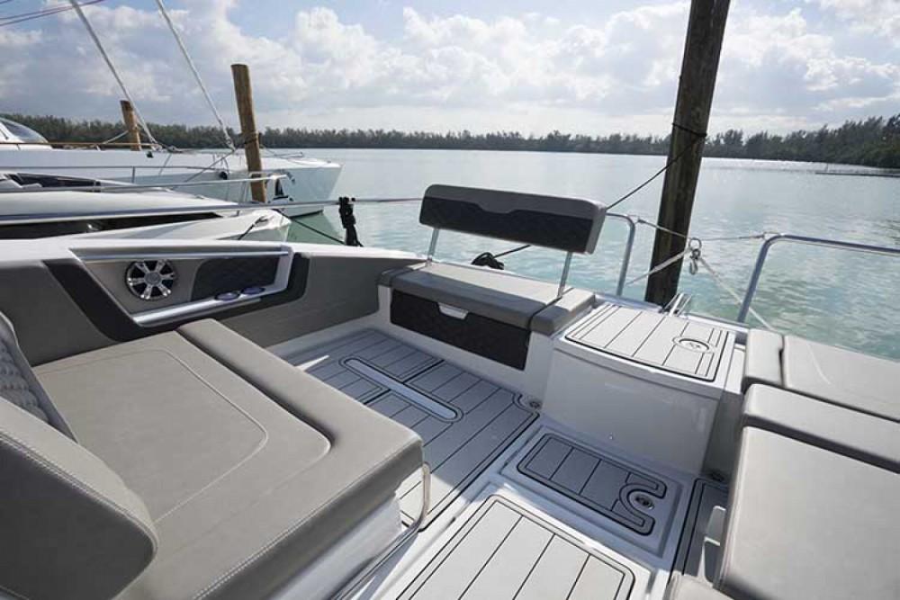 Rental Motorboat in Phuket - AQUILA Aquila 36