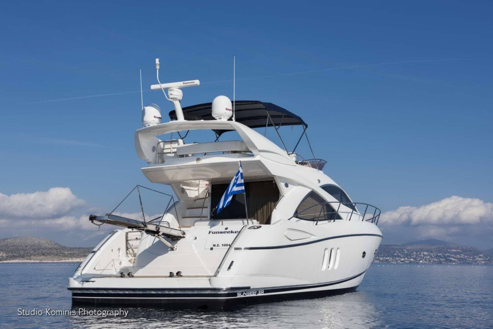 Rental Motorboat Sunseeker with a permit