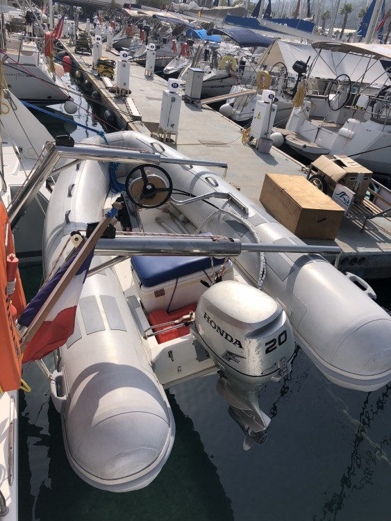 Boat rental Marseille cheap Lagoon 450 F