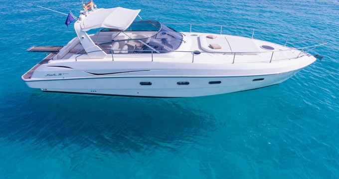 Fiart Fiart 38 between personal and professional Port Grimaud