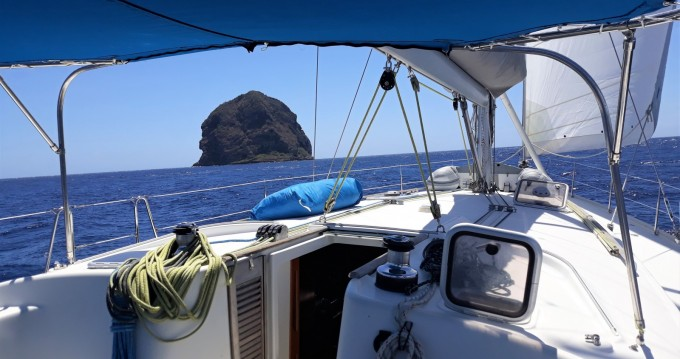 Sailboat for rent Les Minimes at the best price