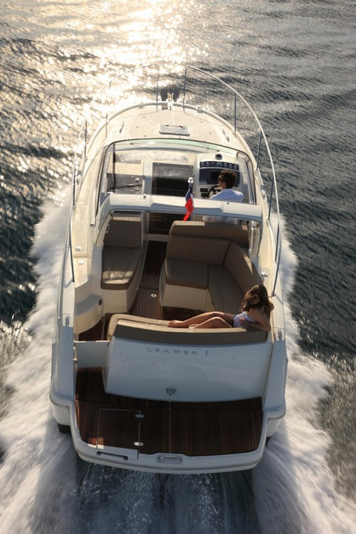 Rental yacht Grimaud - Jeanneau Leader 8 on SamBoat