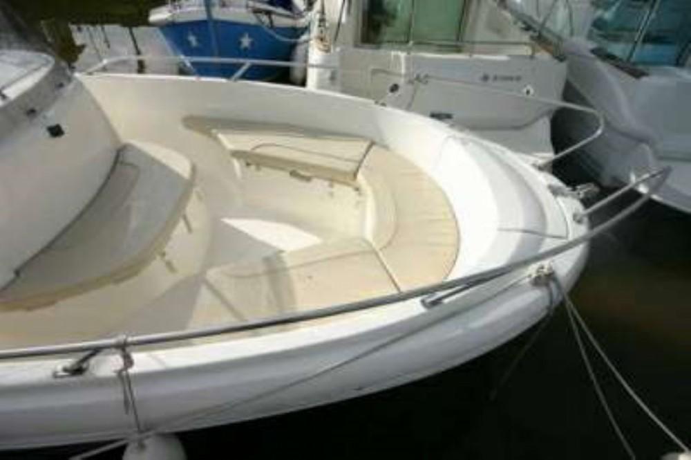 Rental Motor boat in Okrug Gornji - Jeanneau Cap Camarat 635 Cc
