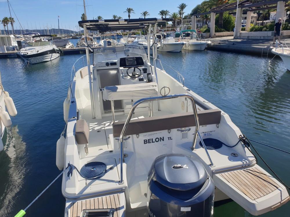 Rental yacht Cavalaire-sur-Mer - Jeanneau Cap Camarat 7.5 CC on SamBoat