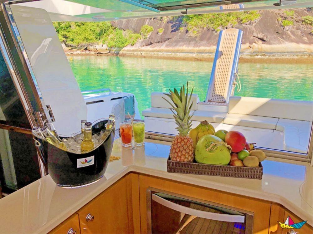 Boat rental Angra dos Reis cheap 500 Millenium
