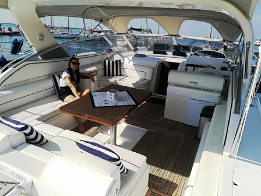 Rental Motorboat Fiart with a permit