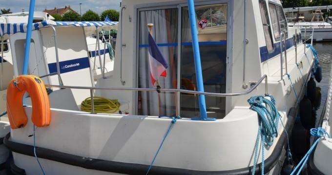 Rental yacht Chenillé-Changé - Les Canalous Triton 1050 on SamBoat
