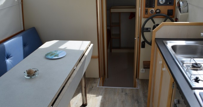 Rental Canal boat in Carnon-Plage - Les Canalous Triton 860 Fly