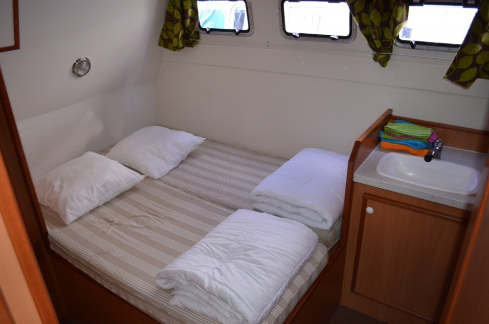 Rental Canal boat in Homps - Les Canalous Tarpon 42