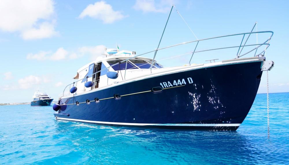 Rental Motorboat in Balearic Islands - Cantieri Estensi Goldstars 48