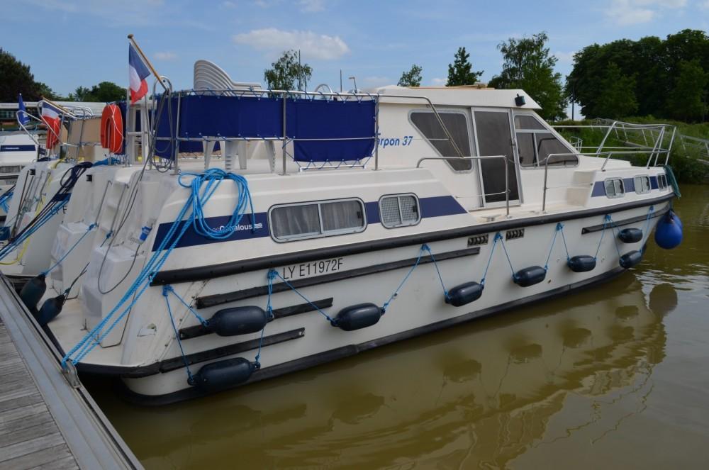 Boat rental Les Canalous Tarpon 37 in Châtillon-en-Bazois on Samboat