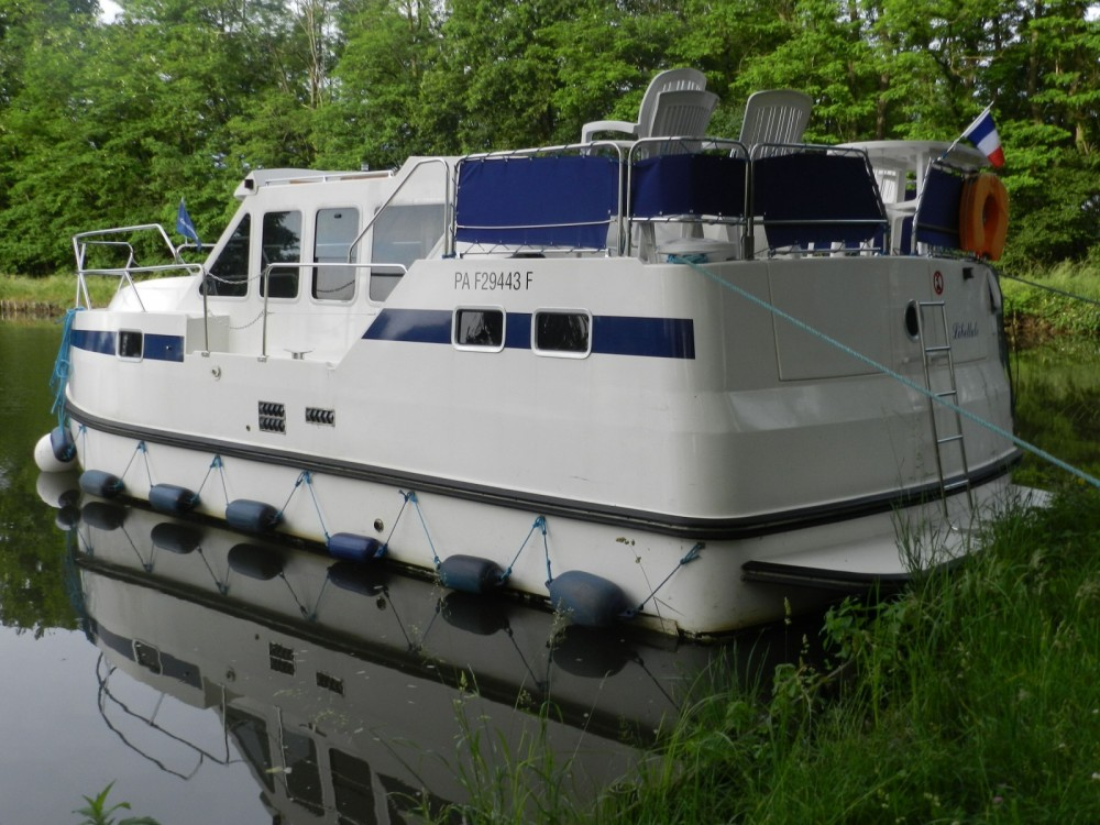 Hire Canal boat with or without skipper Les Canalous Cognac