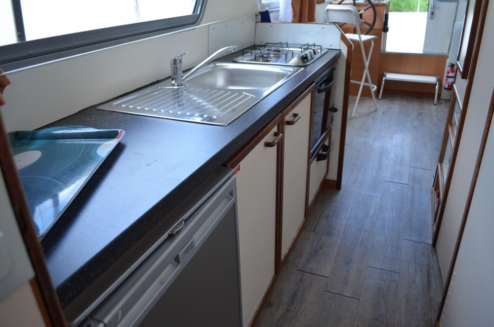 Canal boat for rent Luzech at the best price