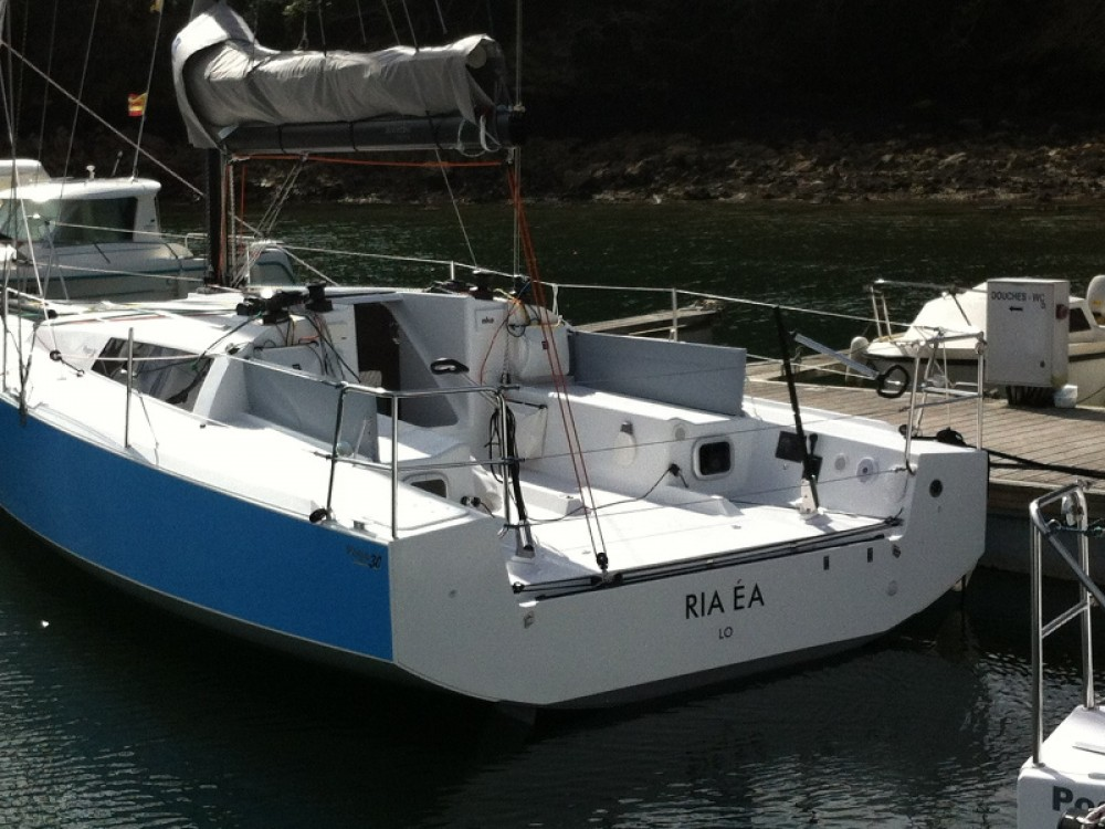Sailboat for rent Bormes-les-Mimosas at the best price