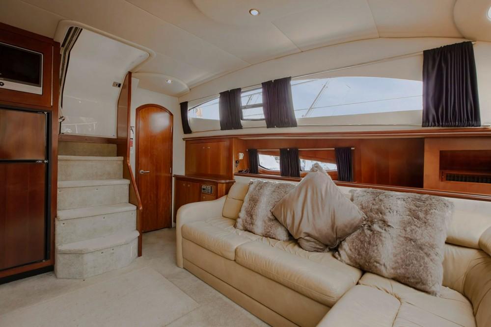 Rental yacht Pa Khlok - Cruisers 415 Express on SamBoat