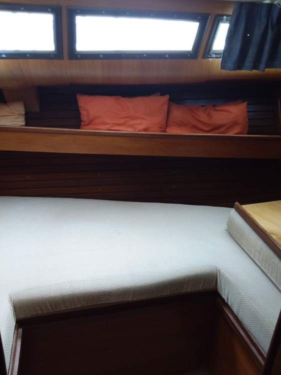 Sailboat for rent Propriano at the best price