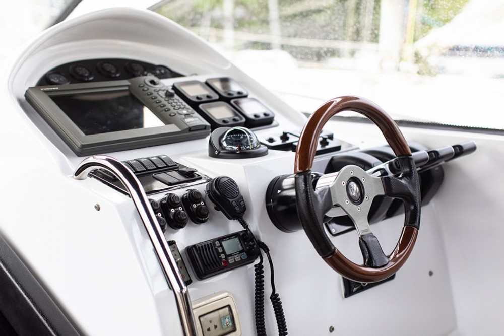 Rental Motorboat Sunnav with a permit