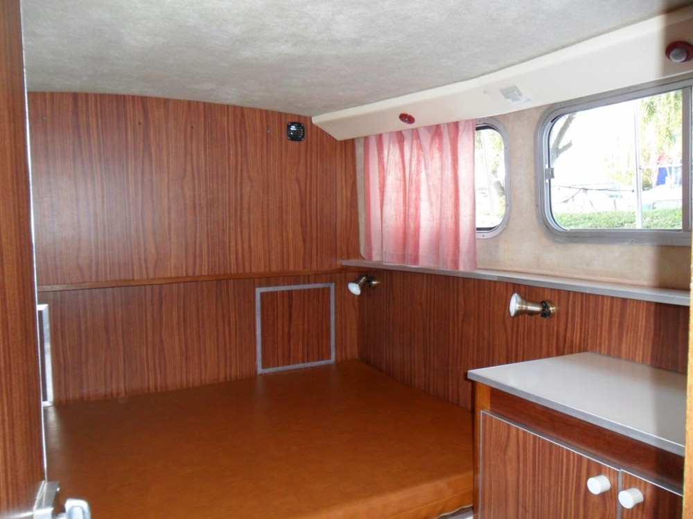 Rental Canal boat in Colombiers - Les Canalous Pénichette 935 W