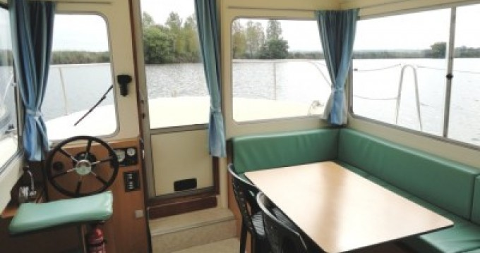 Les Canalous Eau Claire 930 Fly between personal and professional Redon
