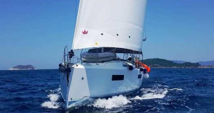 Rental Sailboat in Volos - Jeanneau Sun Odyssey 440