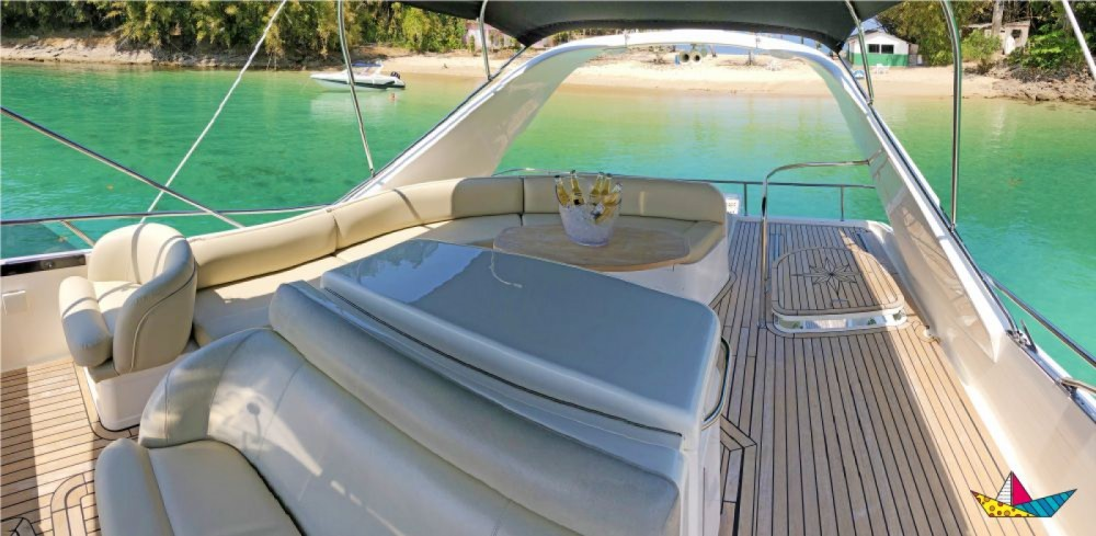 Hire Yacht with or without skipper Fairline Angra dos Reis