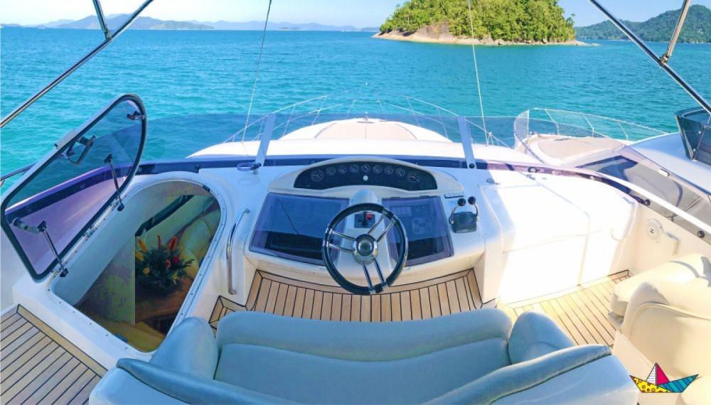Rental yacht Angra dos Reis - Fairline Squadron 60 on SamBoat