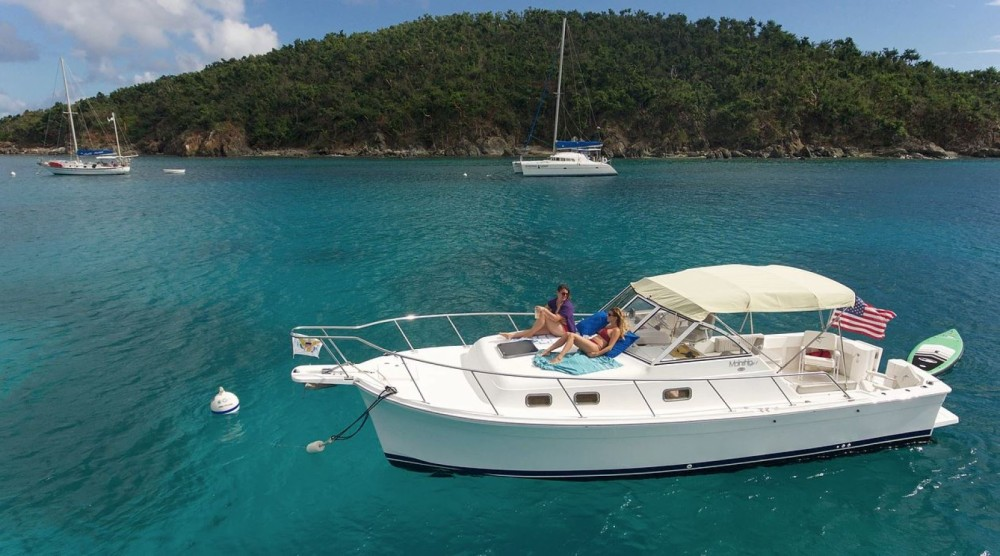 Motorboat for rent US Virgin Islands at the best price