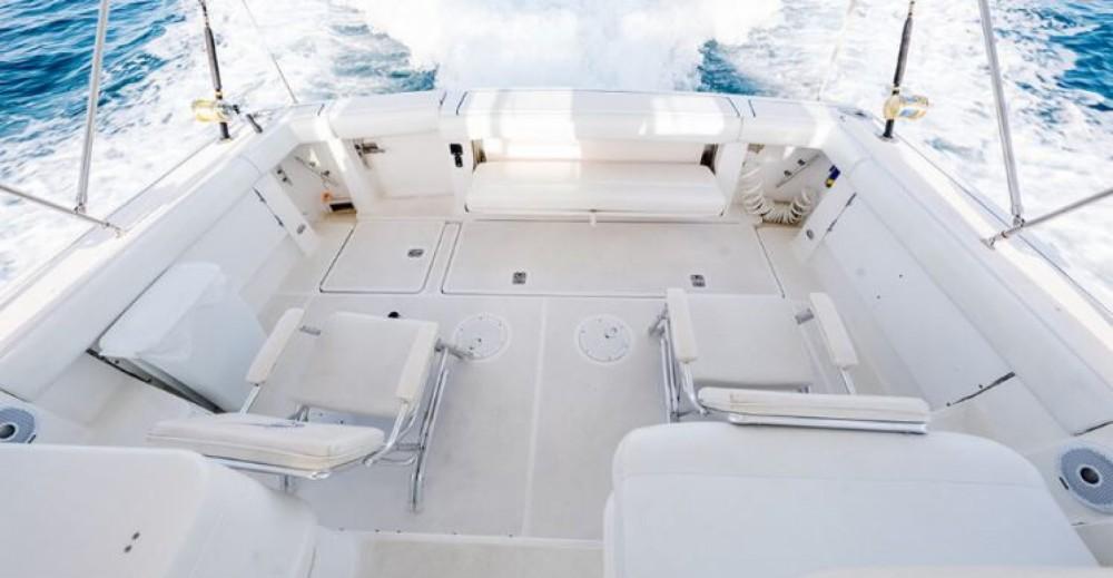 Boat rental Nassau cheap 38ft Tiara