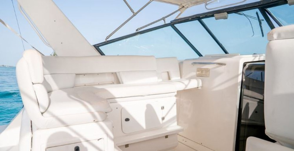 Hire Motorboat with or without skipper Tiara Nassau