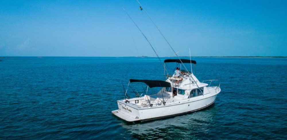 Motorboat for rent Nassau at the best price
