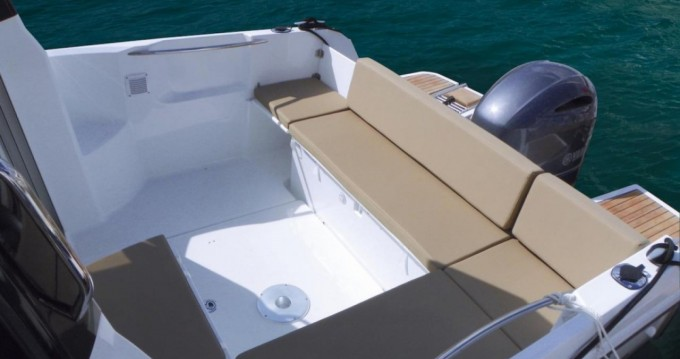 Hire Motorboat with or without skipper Jeanneau Port-Haliguen
