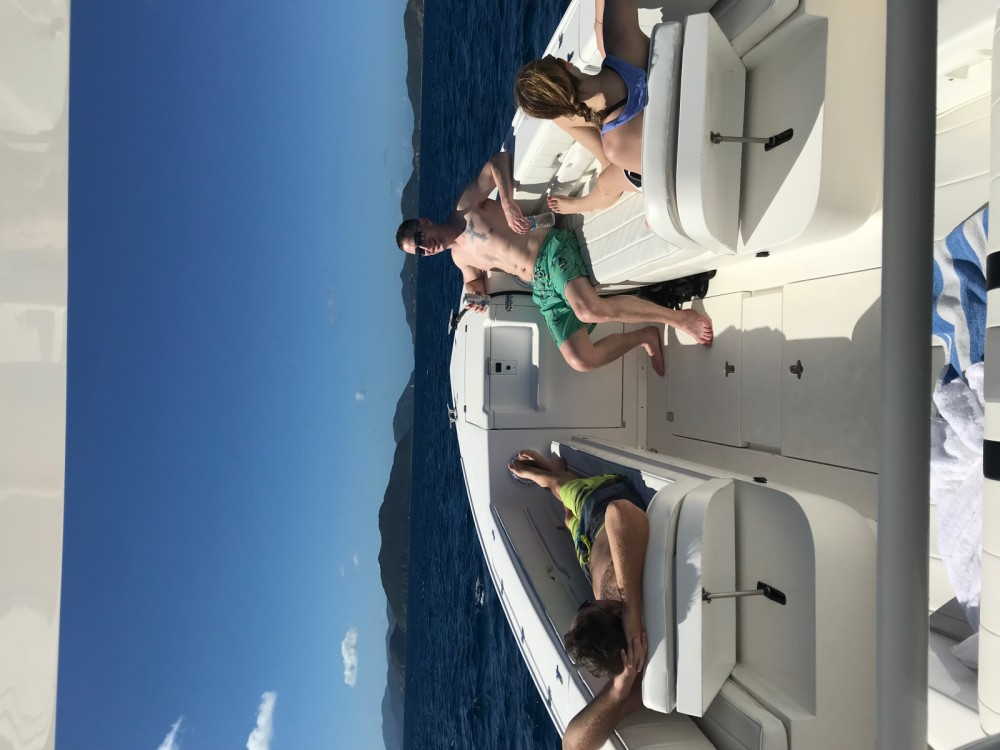 Rental Motorboat in  - Intrepid 35 open